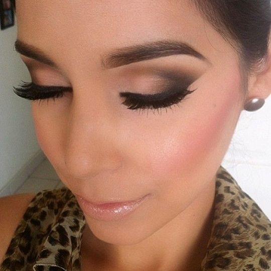 """If there is one """"look"""" that any woman on this planet can pull off, it is the smoky eye. Whether you have blue eyes, green eyes, brown eyes or any color in ..."""
